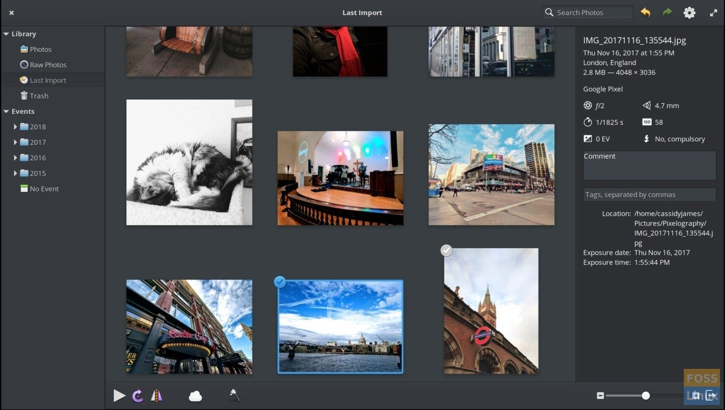 Photos App in elementary OS 5.0 Juno